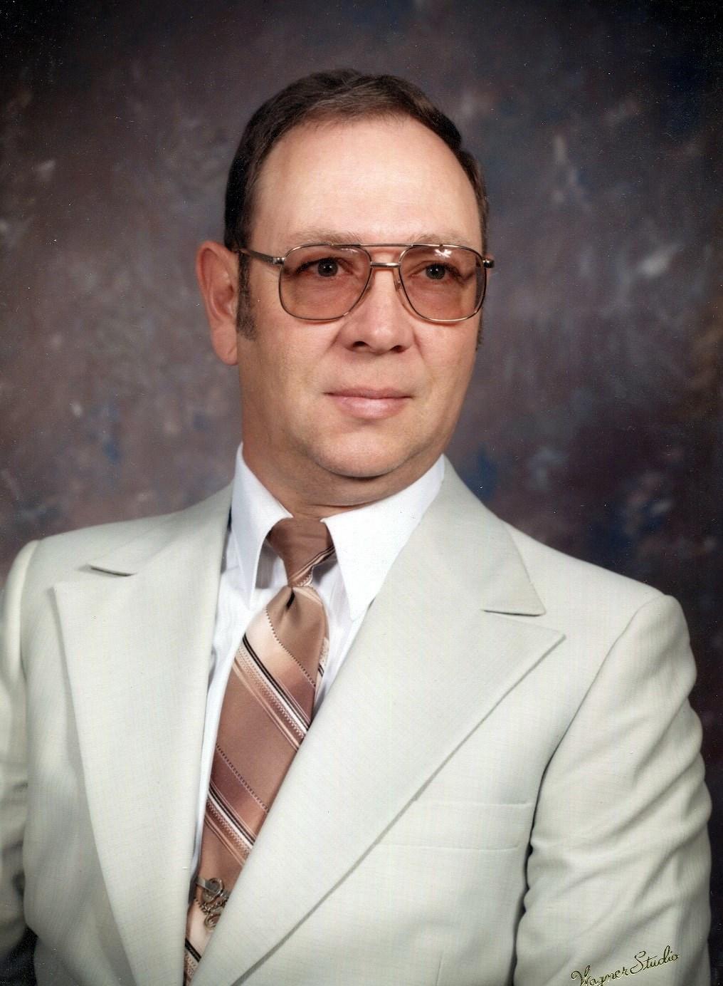 Leon E.   Kapraun Sr.