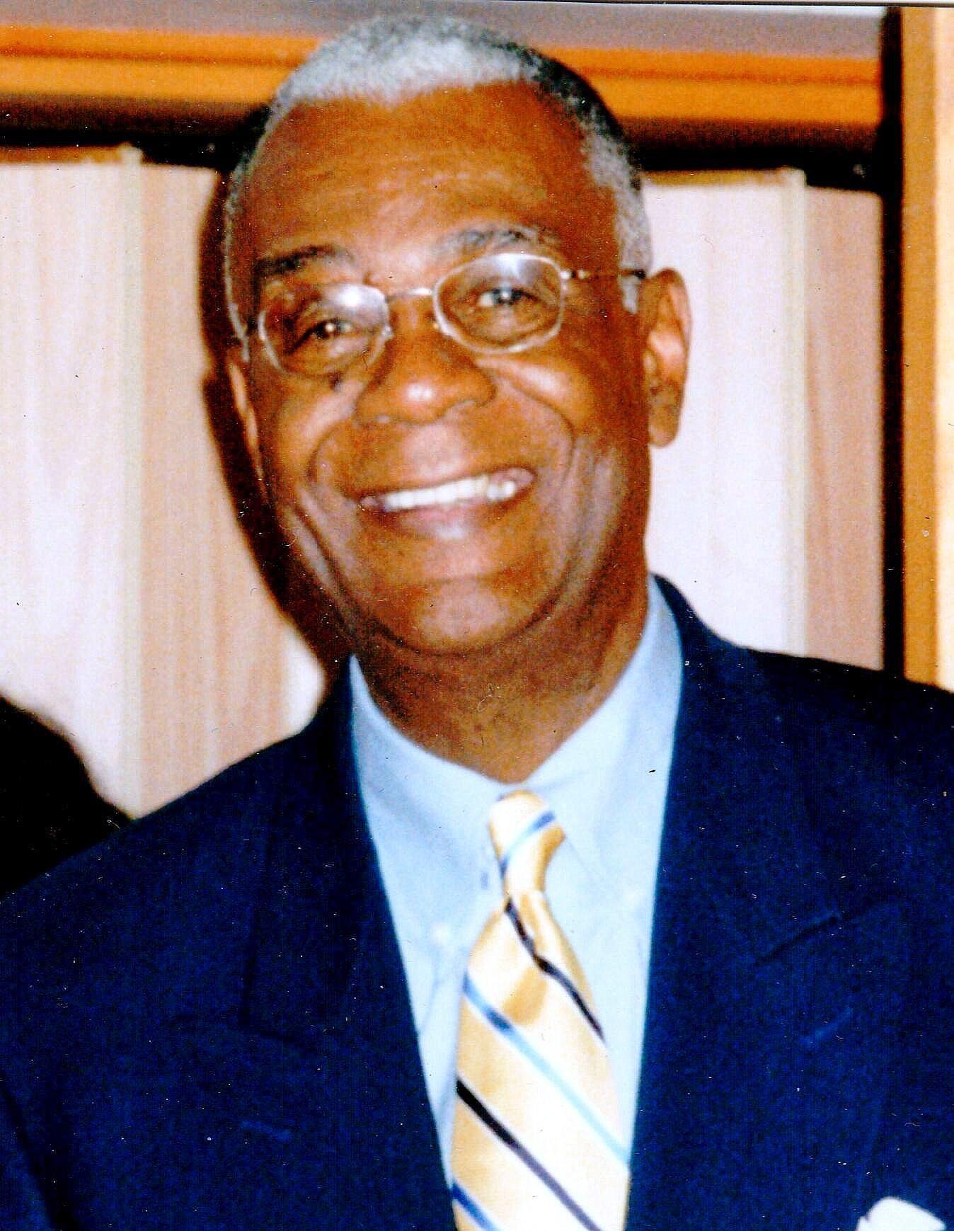 Dr. Preston  Bruce Jr.