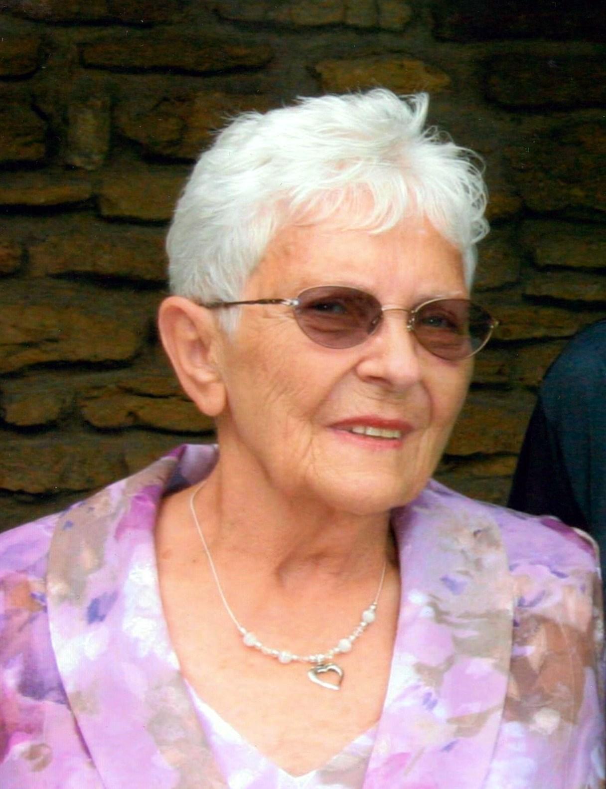 Joyce Gail  Wells
