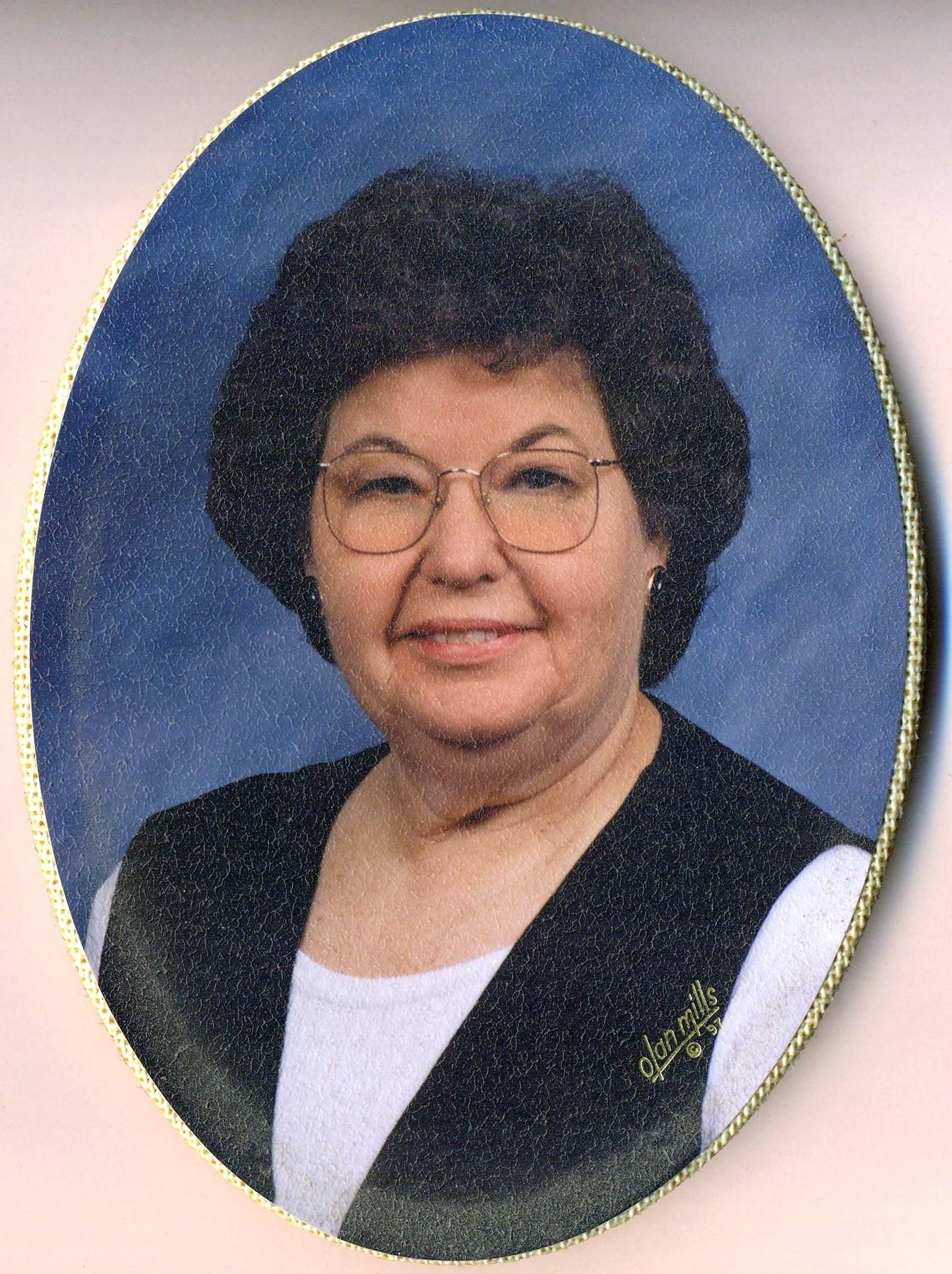 Lois  Midgett