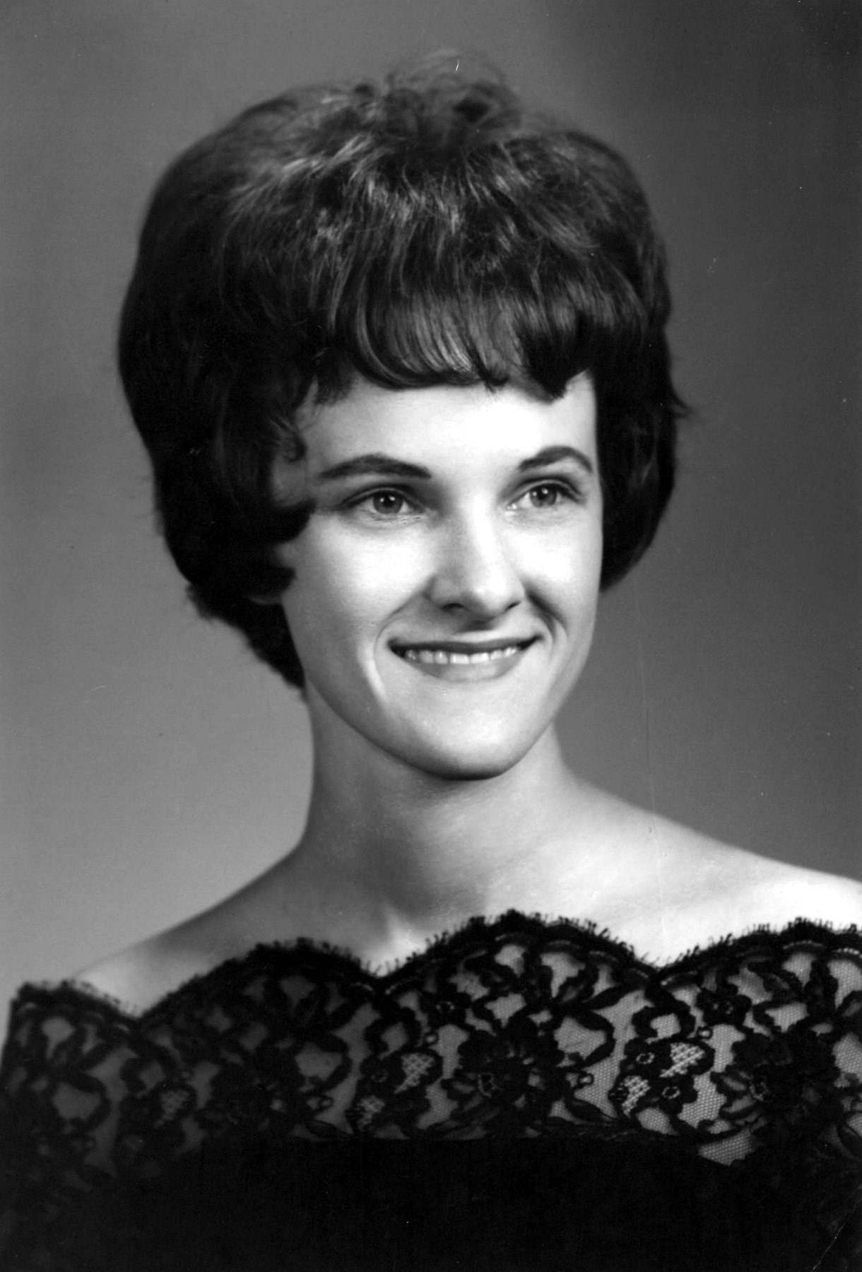 Stephanie Lois  Colunga