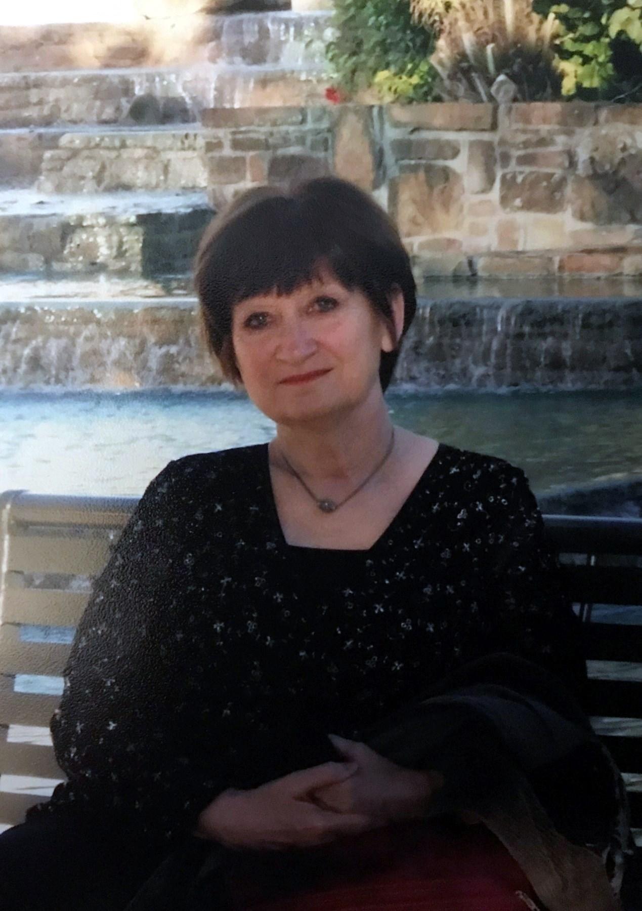 Carolyn Knott  Harville