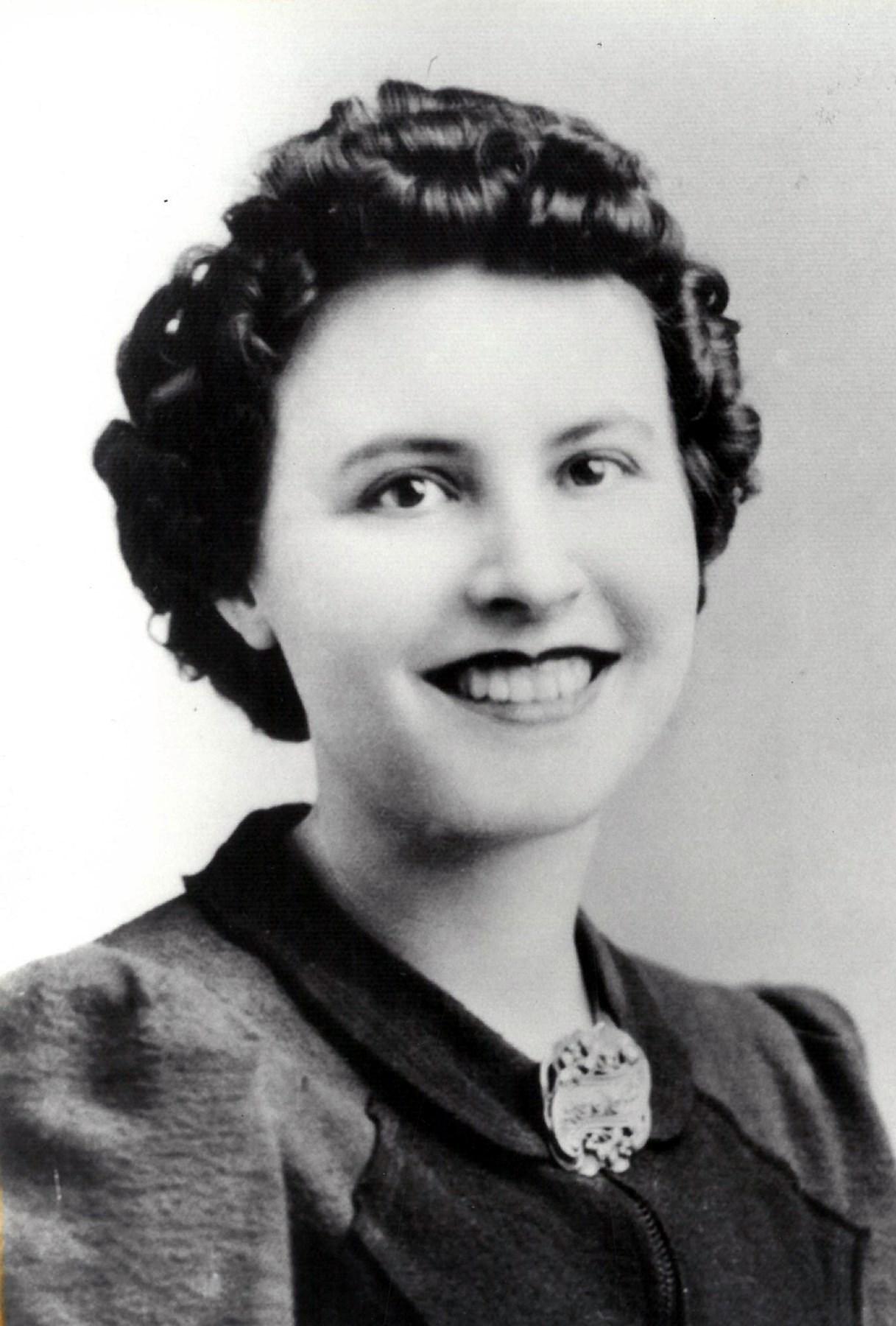 Alma Esther  Kangas