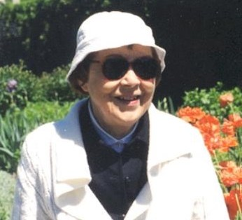 Leona  Hoogenstyn