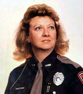 Cynthia J  Loomis