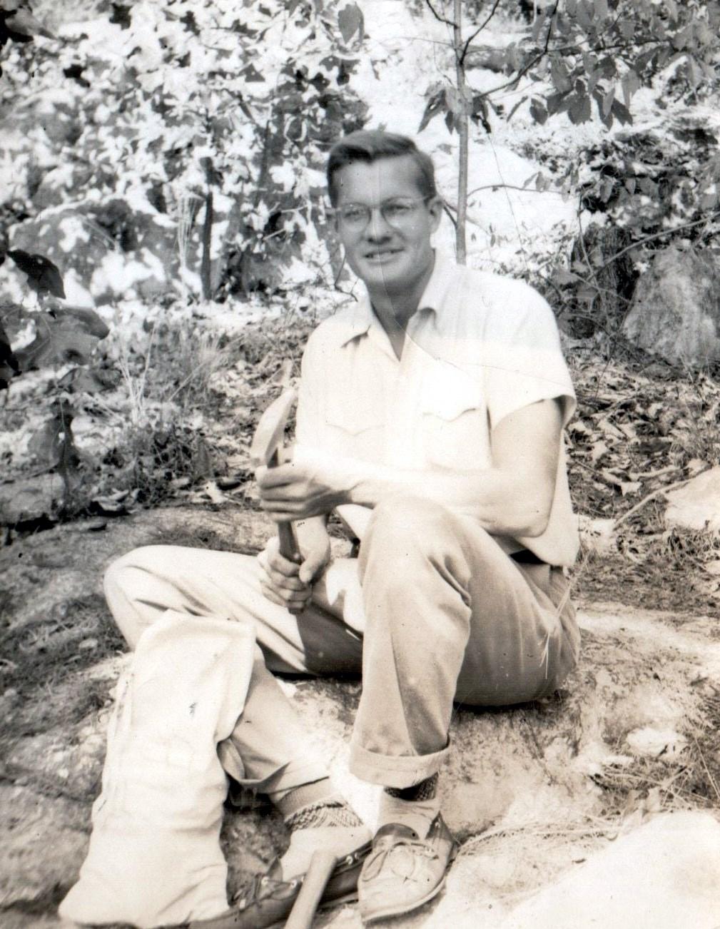 Obituary of Dr. William Gary Hooks