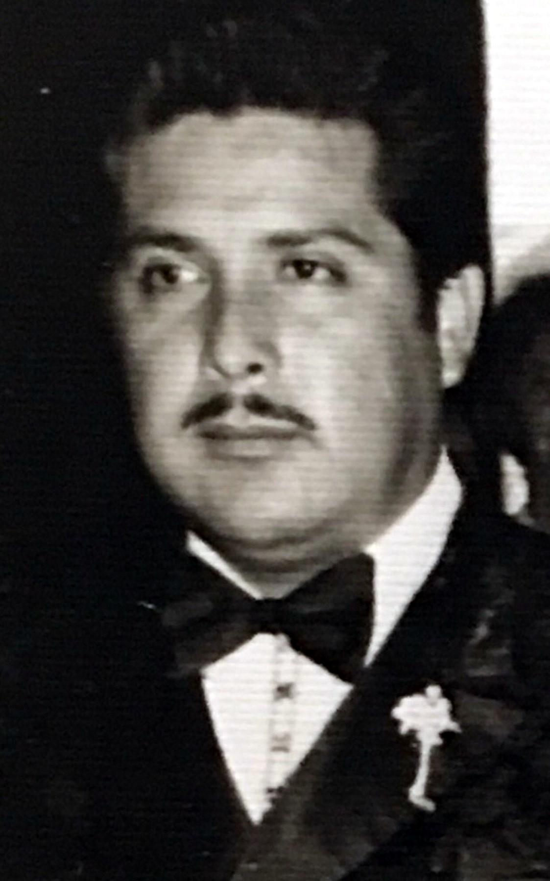 Roberto  Villa-Agundez