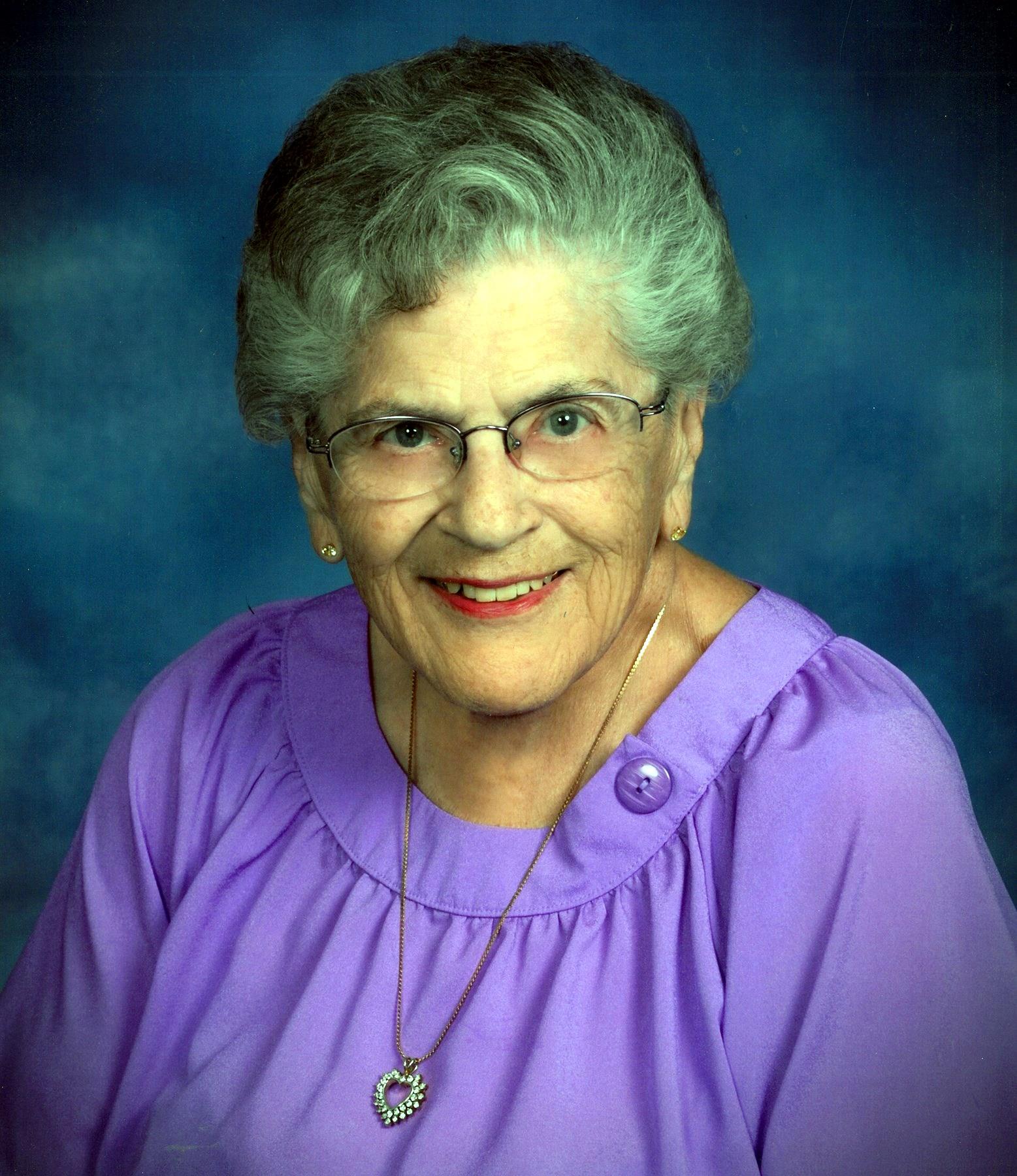 Muriel Frances  Lynn