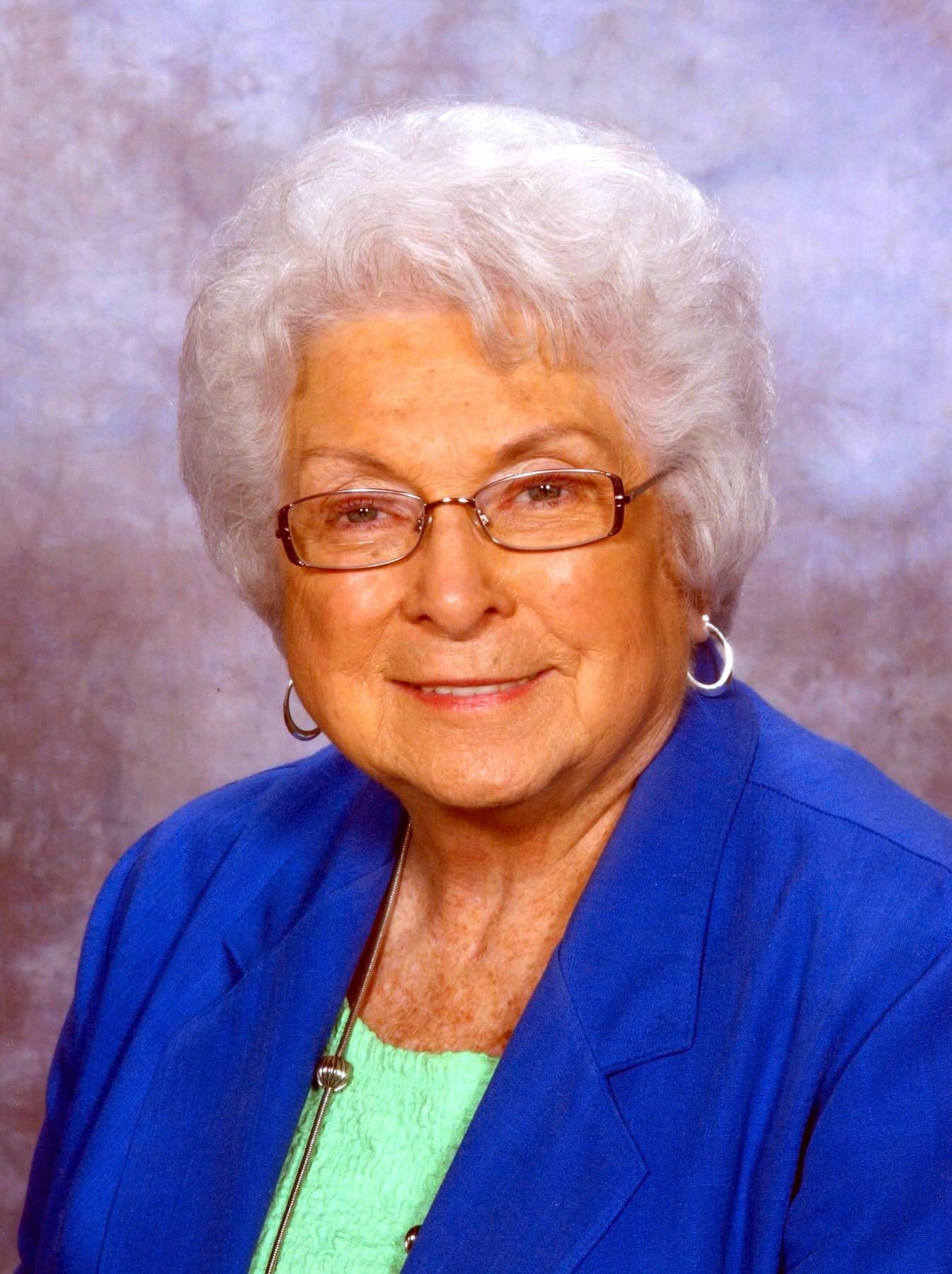 Helen Ruth  Redus