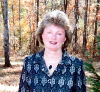 Hallie Lavona  Elliott