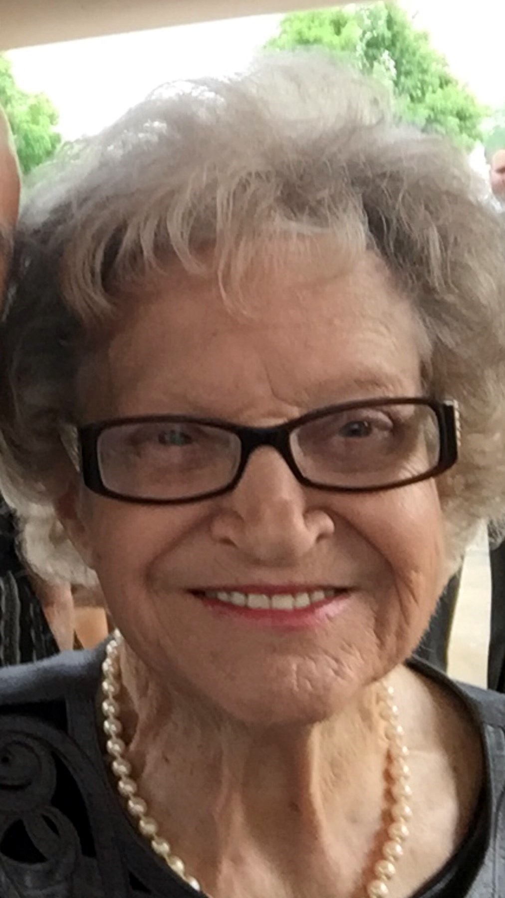 "Betty ""Beebe"" Mae  Edmunds"