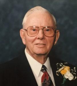 Lloyd Emil  Knackstedt