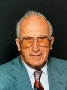 Walter  Kinate