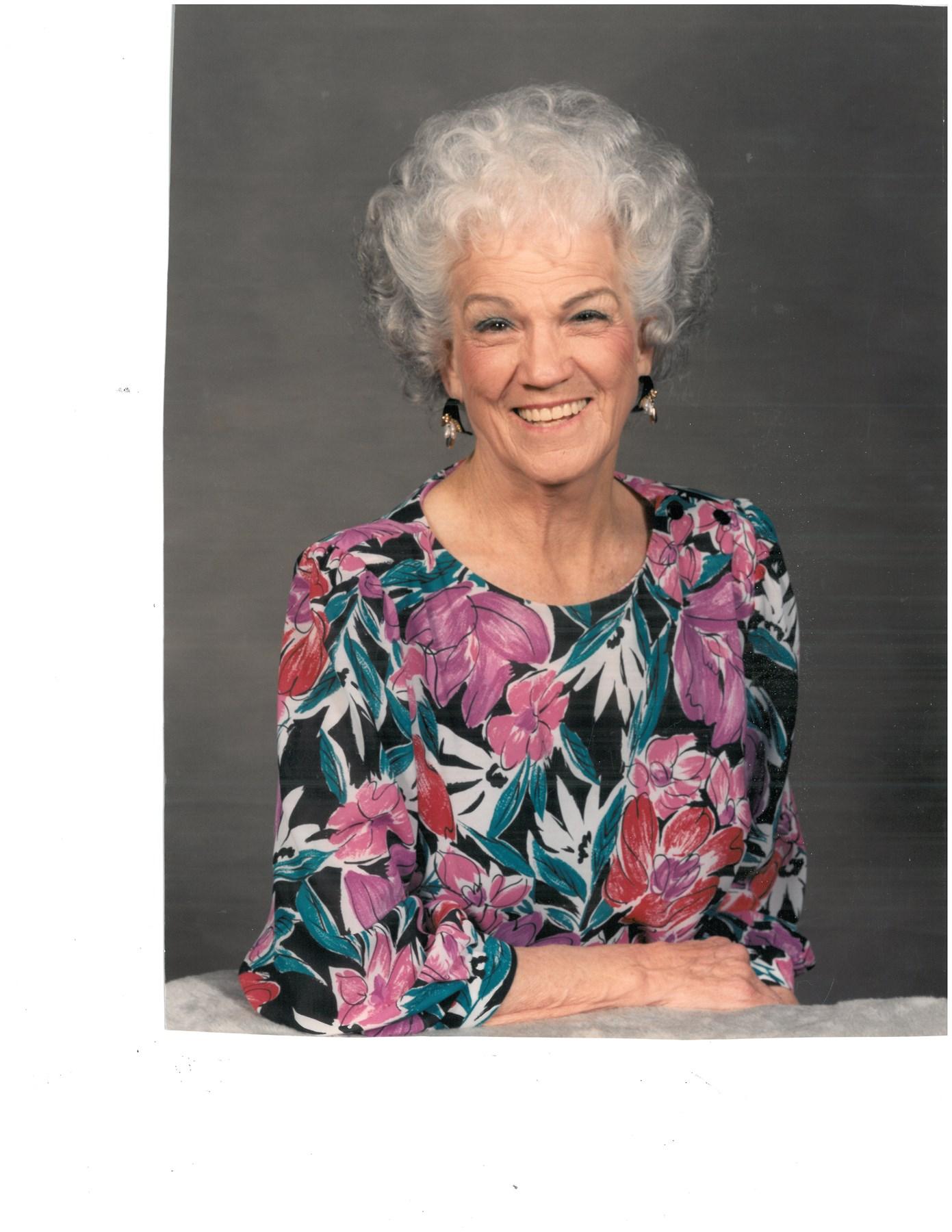 picture Lillian Adams